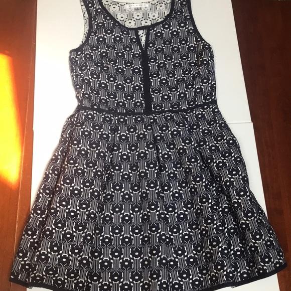 Max Studio Dresses & Skirts - Navy & white max studio dress